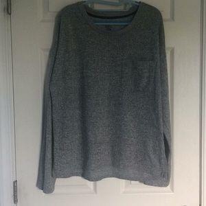 So heathered grey crew neck long sleeve sweater